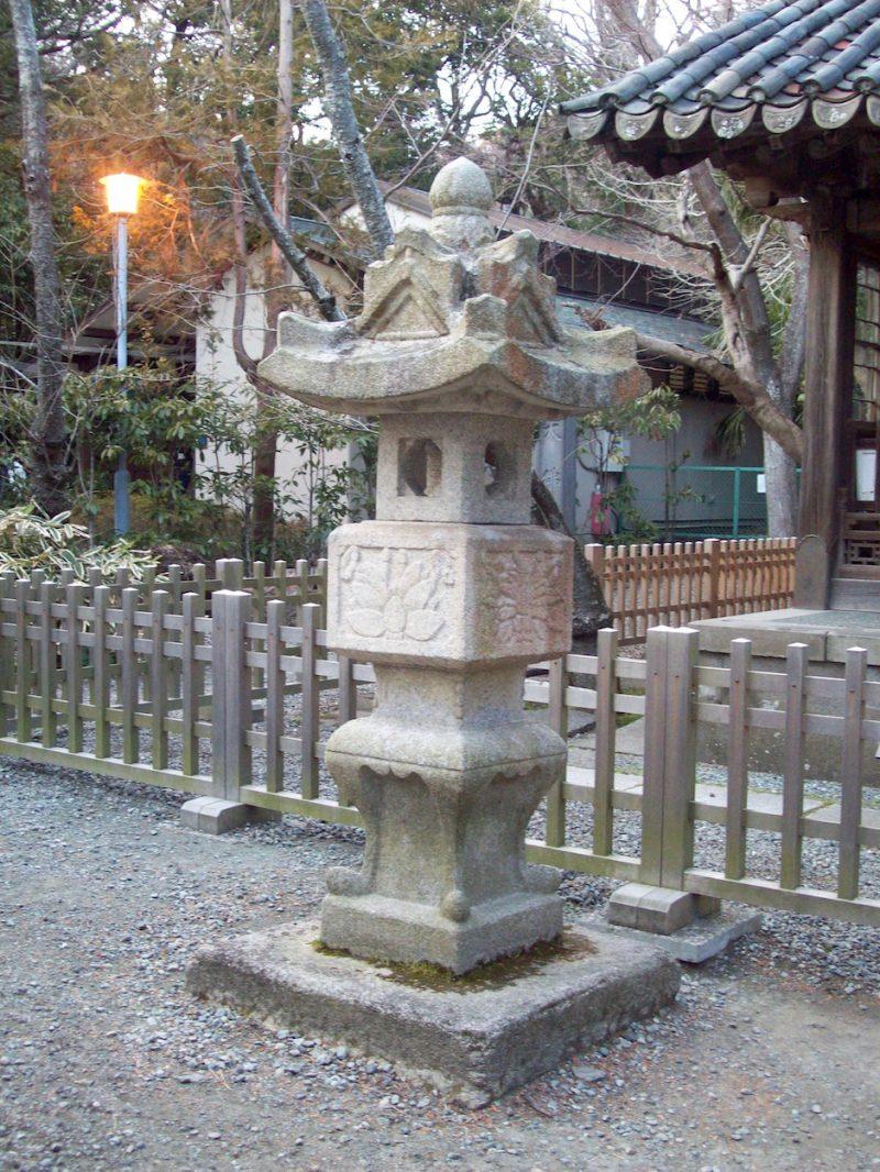 stone lantern temple kamakura japan