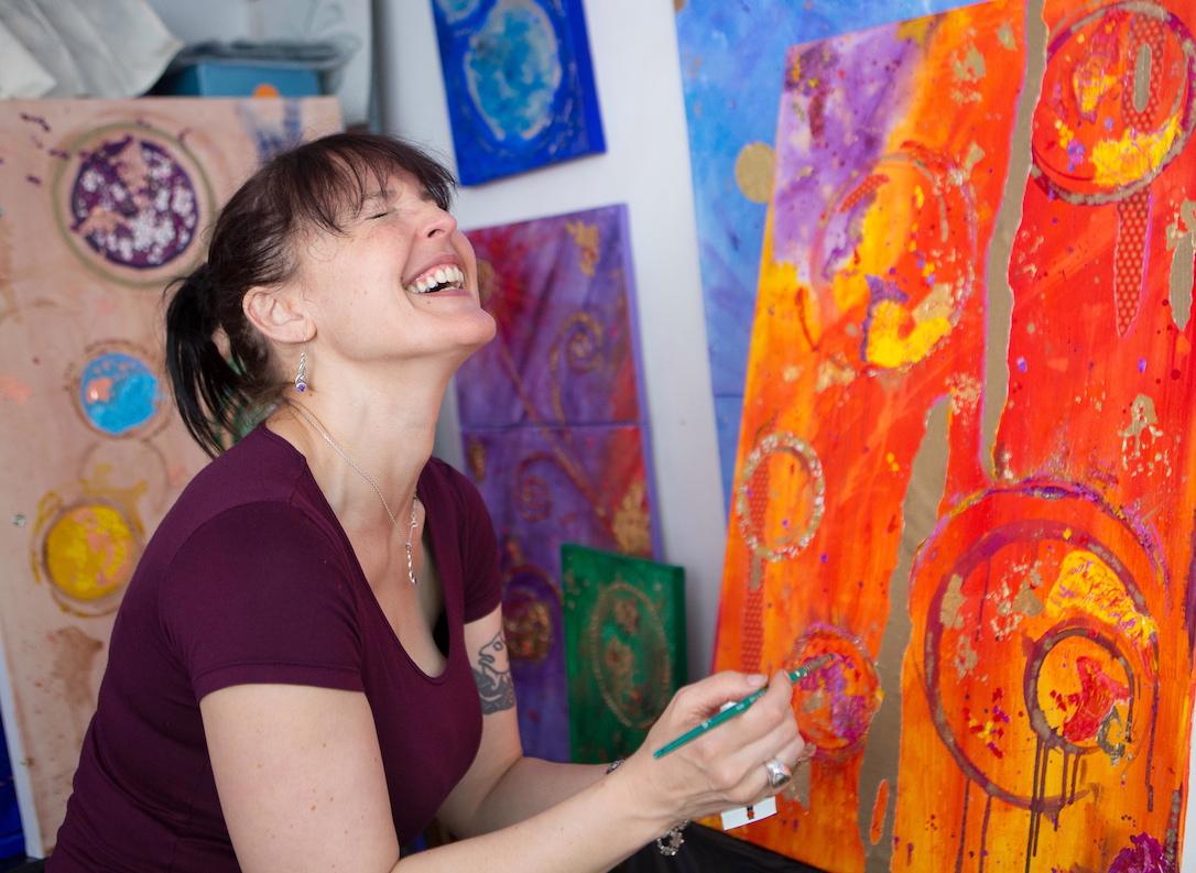 Emerald Dunne Glasgow artist, studio portrait.