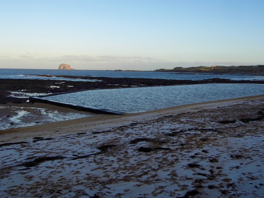 Keeping the January blues at bay with a visit to North Berwick near Edinburgh to recharge my batteries with a walk on the beach and climbing the Law.