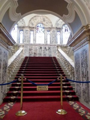 Belfast City Hall: Staircase.